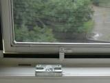 Spodní rám okenní sítě